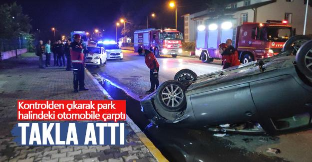 Kontrolden çıkarak park halindeki otomobile çarptı