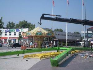 Kent Meydanı'na kurulan lunapark kaldırılıyor