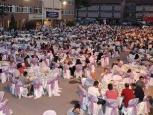 Arifiye Meydanı'nda iftar var