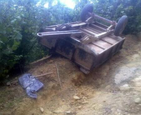 Traktör römorkunun altında kalan kadın hayatını kaybetti