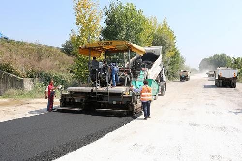 Arifiye ve Sapanca'ya 5 bin ton asfalt
