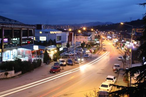 Serdivan'da işyerleri 03.00'a kadar açık