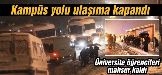 Üniversite öğrencileri mahsur kaldı