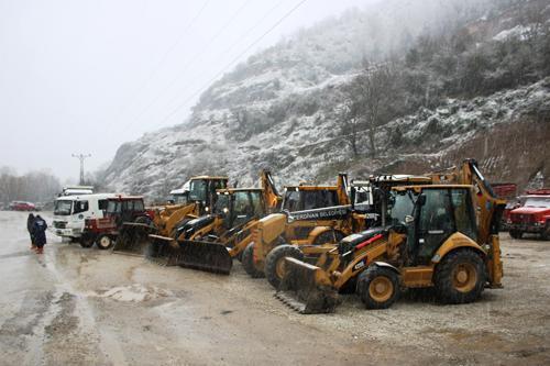 Serdivan Belediyesi karla mücadele ekibi hazır