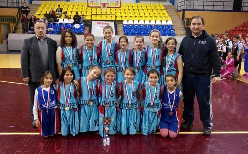 Küçük kızlar basketbolda il birincisi Söğütlü'den