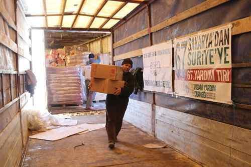 Yardımlar Suriye'ye ulaştı