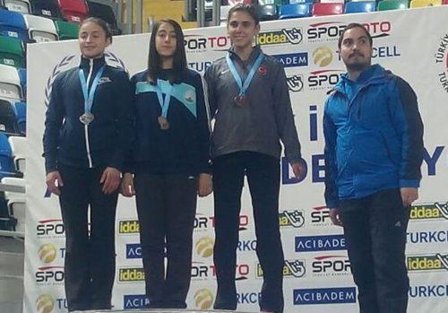 Atletizmde 5 madalya kazanıldı