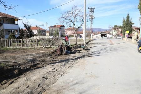 Sapanca Belediyesi yol çalışmalarına devam ediyor
