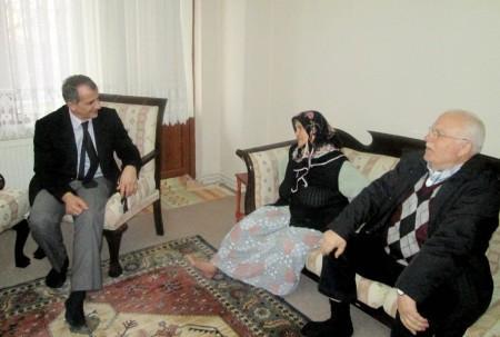 Genel Sekreter Sağlam'dan 'çat kapı' ev ziyaretleri