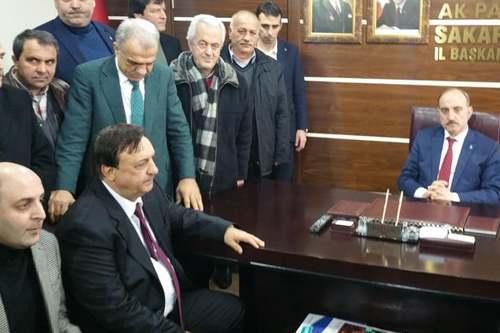 Enver Toçoğlu Ak Parti'den aday adaylığı başvurusunu yaptı