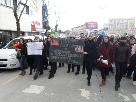 'Sakarya uyuma Özgecan'a sahip çık' sloganıyla yürüdüler