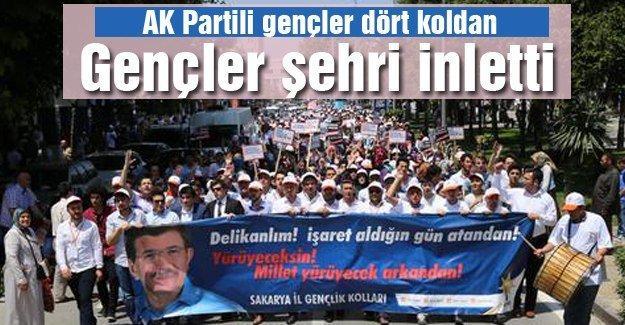 AK Partili gençler dört koldan