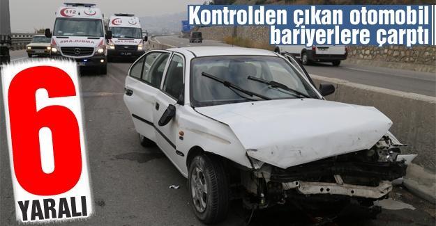 Kontrolden çıkan otomobil bariyerlere çarptı