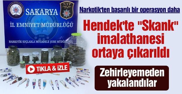 """Narkotik'ten başarılı bir operasyon daha! Hendek'te """"Skank"""" imalathanesi ortaya çıkarıldı"""