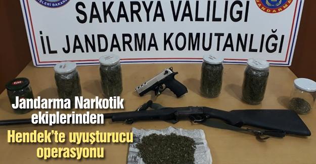 Jandarma Narkotik ekiplerinden Hendek'te uyuşturucu operasyonu