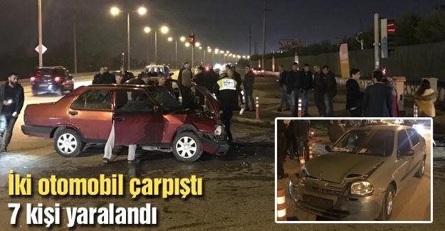 İki otomobil çarpıştı! 7 kişi yaralandı