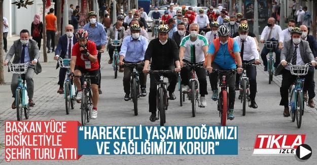 Başkan Yüce bisikletiyle şehri turladı