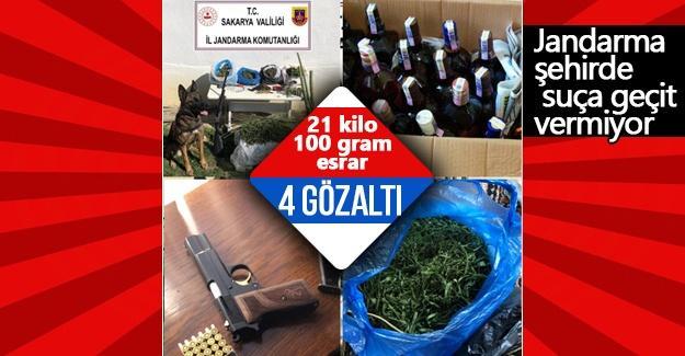 Sakarya'da 21 kilo 100 gram esrar yakalandı