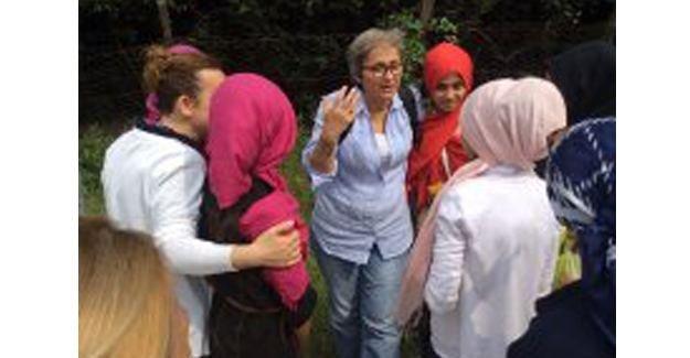 CHP'li kadınlar Karapürçek'e çıkartma yaptı