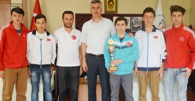 Pamukova Karate Takımı Türkiye 3.'sü oldu