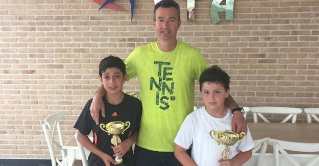 Teniste Gençlik kupası turnuvası yapıldı
