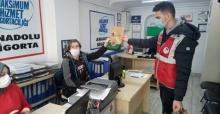 Büyükşehir'in hijyen paketi desteği sürüyor