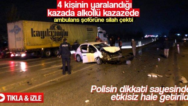 Sakarya'da yaralı kazazede ambulans şoförüne silah çekti