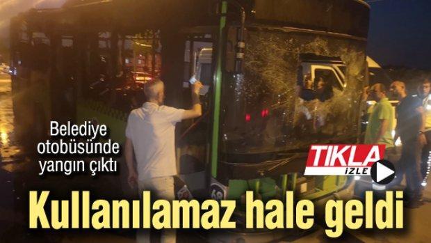 Belediye otobüsü çıkan yangında kullanılamaz hale geldi