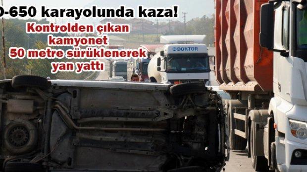 Kontrolden çıkan kamyonet 50 metre sürüklenerek yan yattı