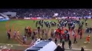 Maç sonu Sakaryaspor'a saldırdılar!
